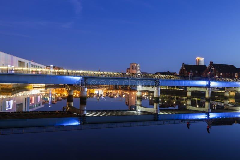 Архитектура Белфаста вдоль реки Lagan стоковое изображение rf