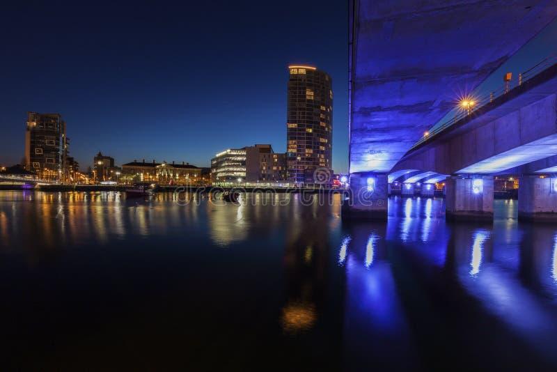Архитектура Белфаста вдоль реки Lagan стоковые фотографии rf