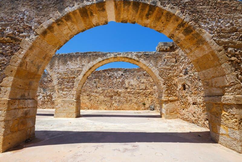 Архитектура венецианской крепости Fortezza в Rethymno на Крите, Греции стоковые изображения