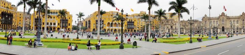 Архитектура вокруг площади Плаза Майор и Дворца Правительства в центре Лимы, Перу стоковое фото