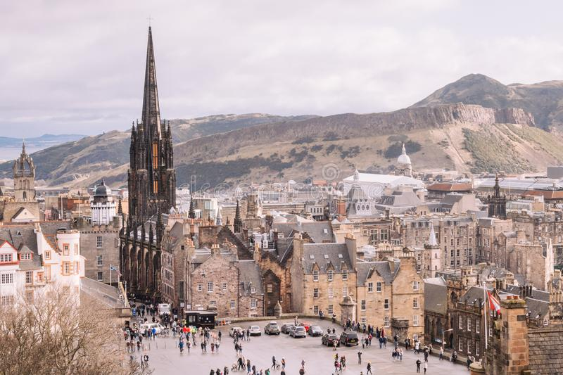 Архитектура в городке Эдинбурга старом Взгляды от замка Эдинбурга стоковое фото rf