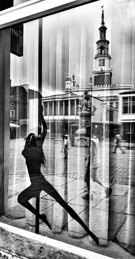 Архитектура в Poznan Художнический взгляд в черно-белом стоковая фотография
