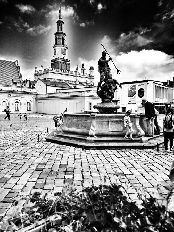 Архитектура в Poznan Художнический взгляд в черно-белом стоковые фото
