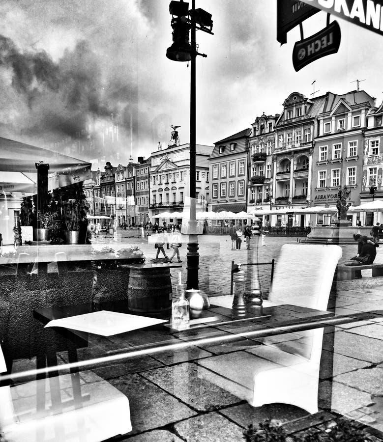 Архитектура в Poznan Художнический взгляд в черно-белом стоковое фото rf
