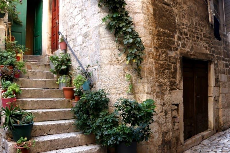 Архитектура в Trogir, Хорватии стоковые фото