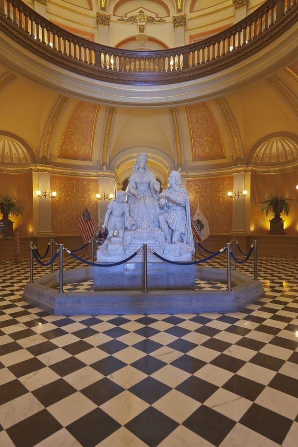 Архитектура интерьеров капитолия положения Сакраменто стоковые фотографии rf