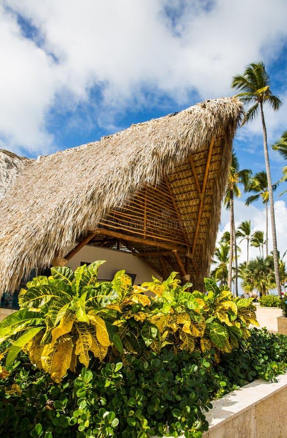 Архитектура на тропическом курорте стоковые фотографии rf