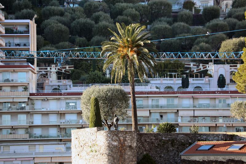 Архитектура недвижимости Монако на холме горы стоковые фото