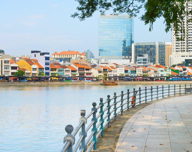 Архитектура района набережной шлюпки Сингапура стоковые фото