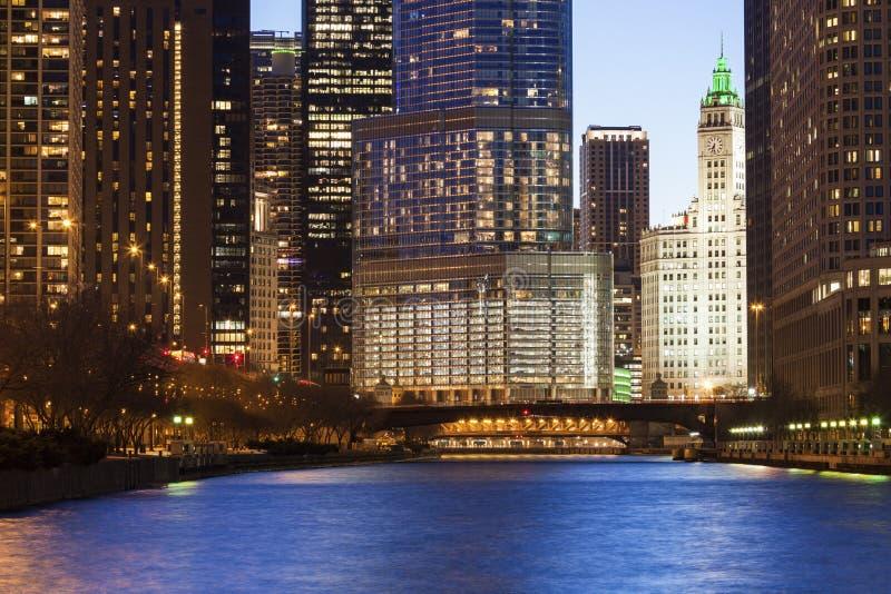 Архитектура Чикаго вдоль реки стоковое фото rf