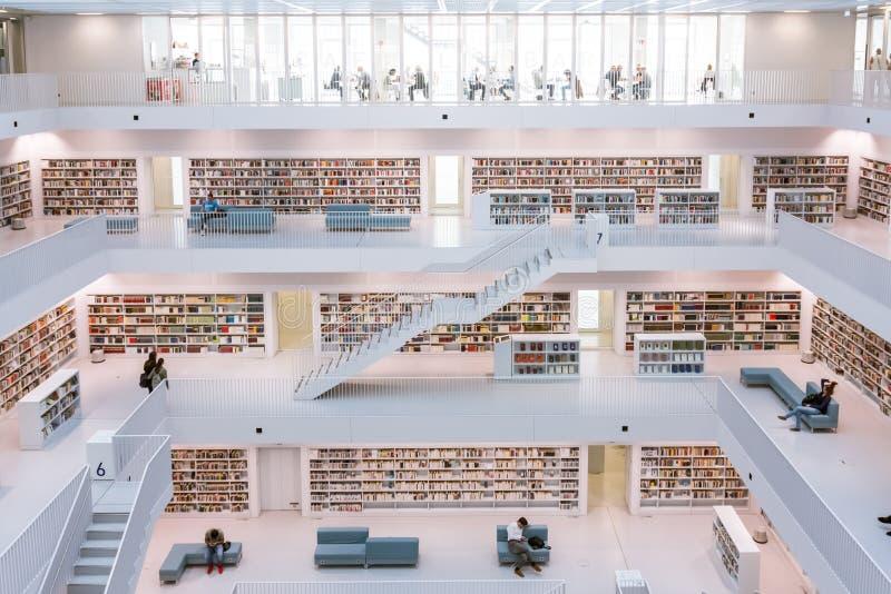 Архитектура Fam библиотеки города Штутгарта внутренняя современная европейская стоковое изображение