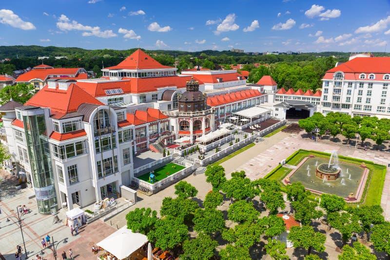 Download Архитектура Sopot на Molo в Польше Редакционное Стоковое Изображение - изображение насчитывающей курорт, monte: 41662634