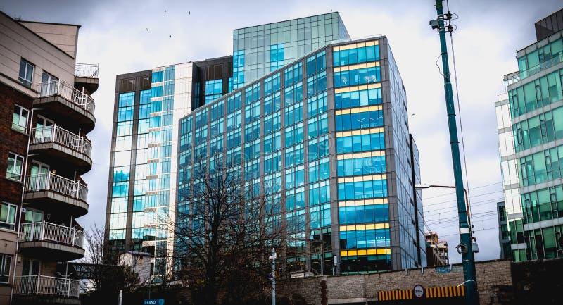 Архитектурноакустическая деталь ирландского построения штабов транснациональной компании Google стоковые изображения rf
