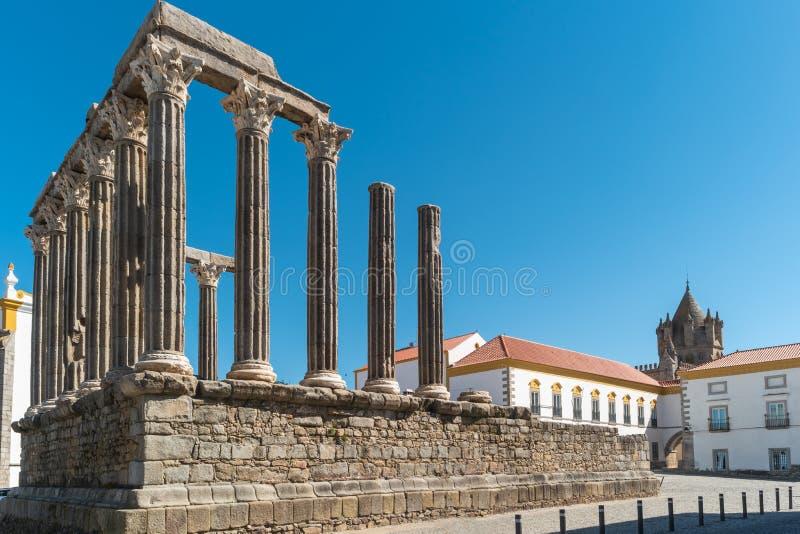 Архитектурноакустическая деталь римского виска Evora в Португалии или виска Дианы стоковые фотографии rf