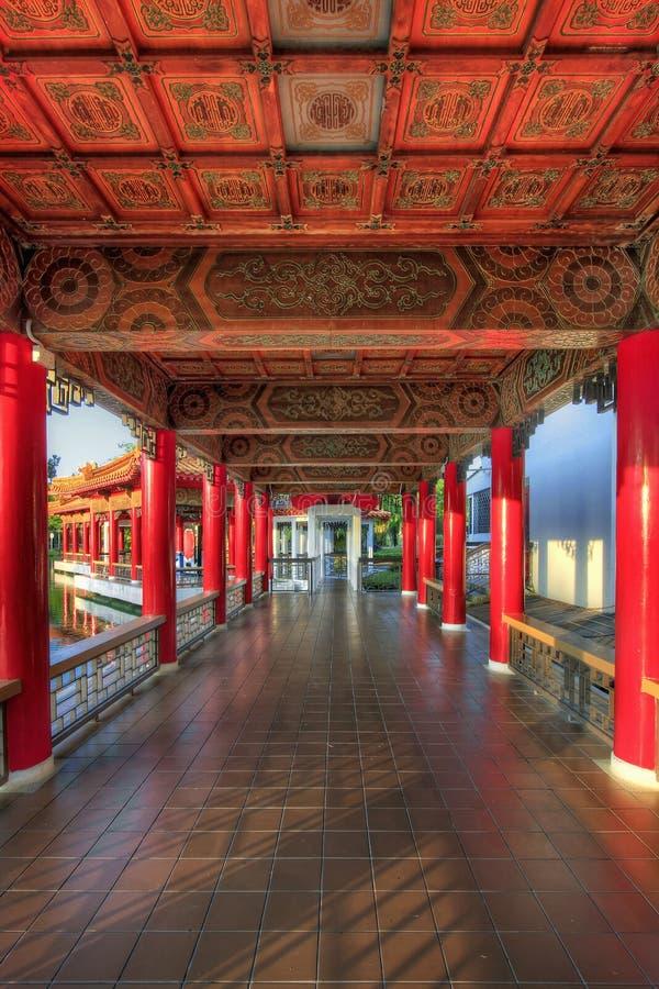 архитектурноакустическая китайская дорожка сада детали стоковая фотография rf