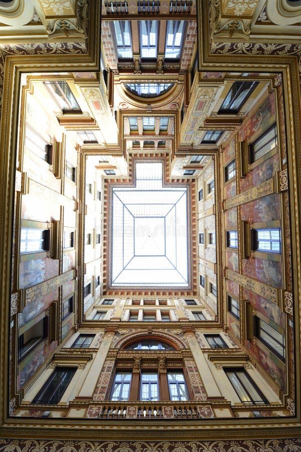 Архитектурноакустическая bulting перспектива стоковое фото