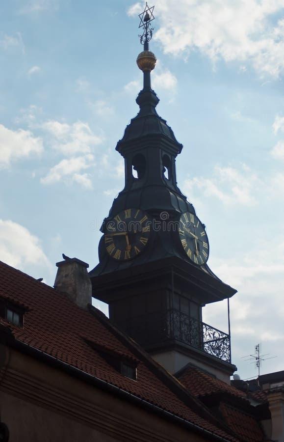 Архитектурноакустические детали зданий старого городка в Праге стоковое фото