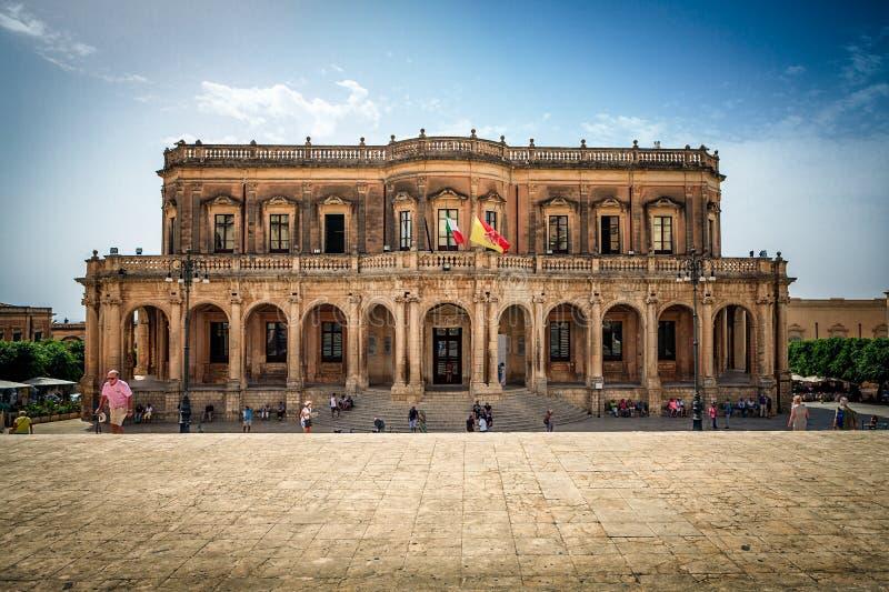 Архитектурноакустический дворец Ducezio в Noto, Италии стоковое фото rf
