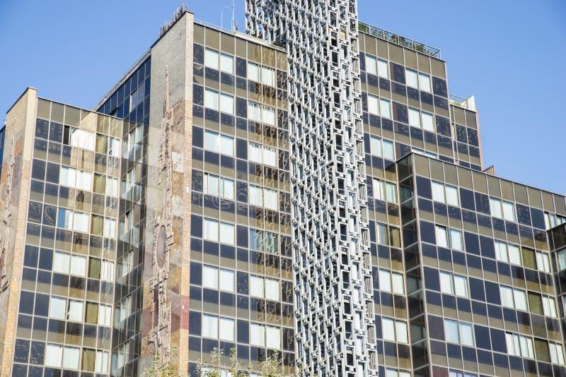 Архитектурноакустическое здание стоковые изображения rf