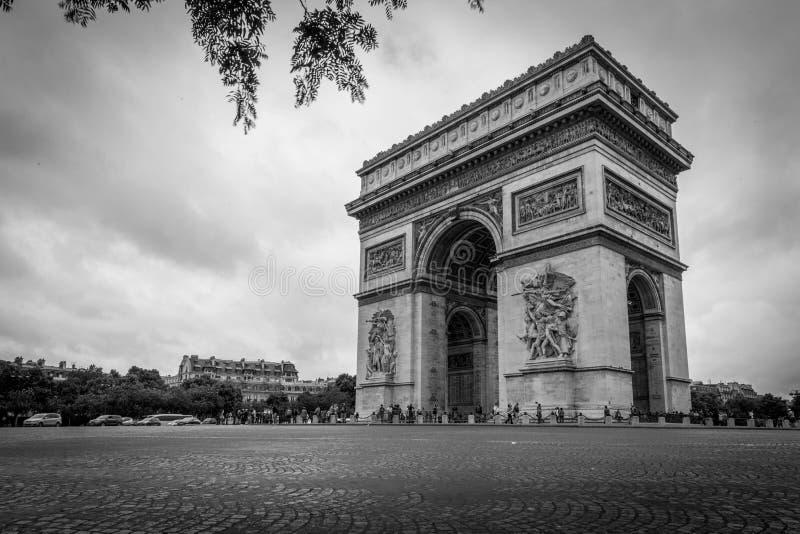 Арч Де Триомпюе в Париж стоковая фотография rf
