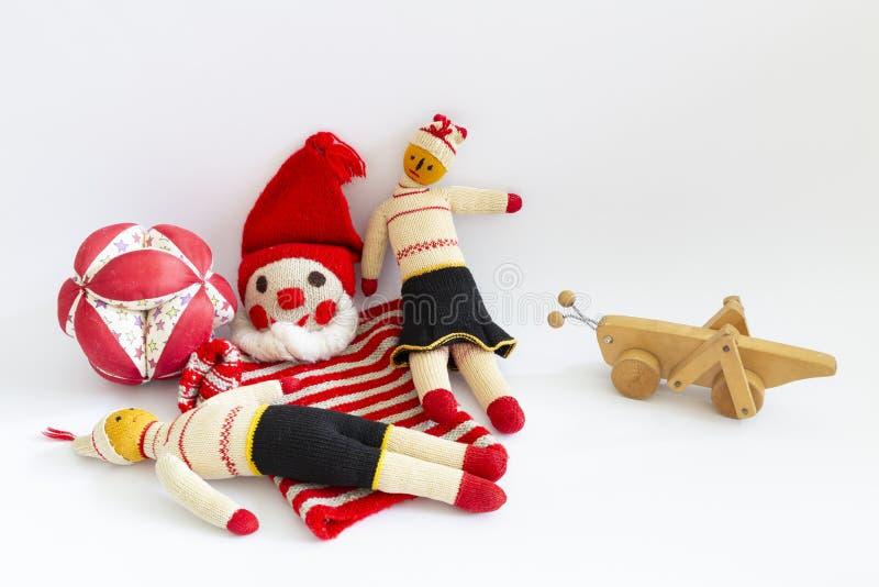 Ассортимент милых винтажных игрушек детей стоковые фотографии rf