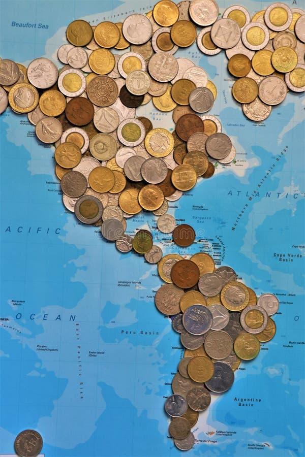 Ассортимент монеток мира стоковое изображение rf