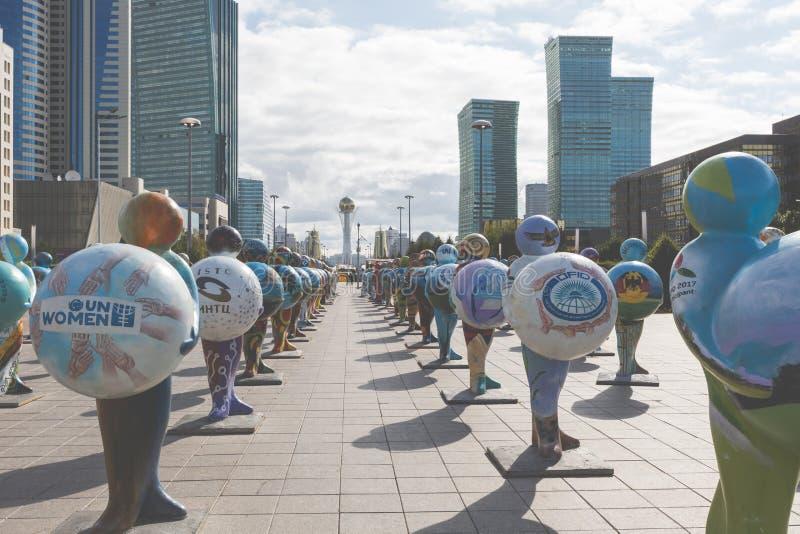 АСТАНА, КАЗАХСТАН - 13-ОЕ СЕНТЯБРЯ 2017: Установка искусства в стоковое фото