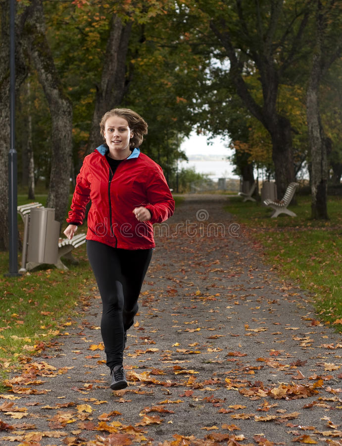 атлетическая женщина стоковое фото