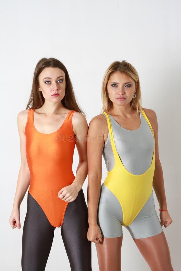 Атлетические женщины фитнеса стоковая фотография