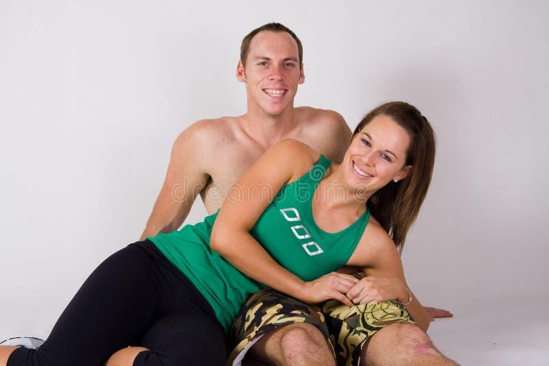 атлетические пары счастливые стоковые фотографии rf