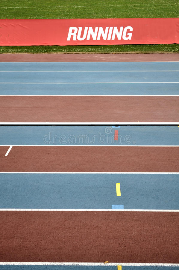 атлетические пустые следы стоковое фото rf