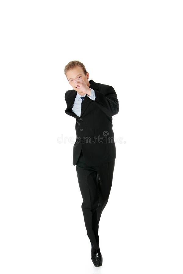 атлетический привлекательный ход бизнесмена стоковые изображения rf