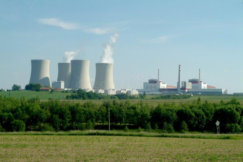 атомная электростанция стоковое фото rf