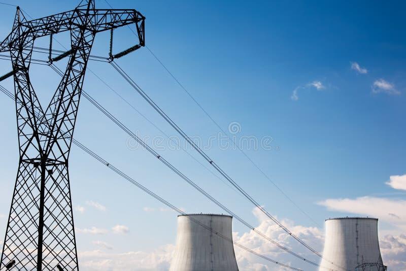 атомная электростанция стоковая фотография