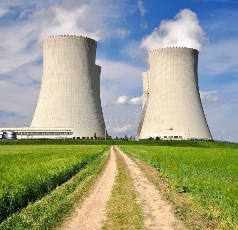 Атомная электростанция стоковое изображение rf