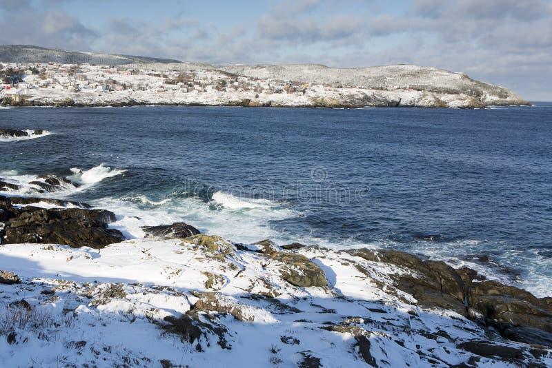 Атлантическая береговая линия в зиме стоковые фото