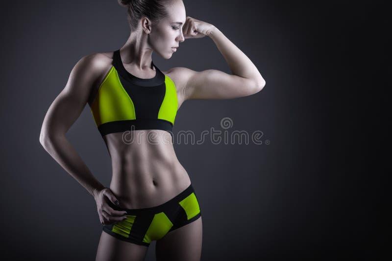 атлетическая женщина стоковая фотография