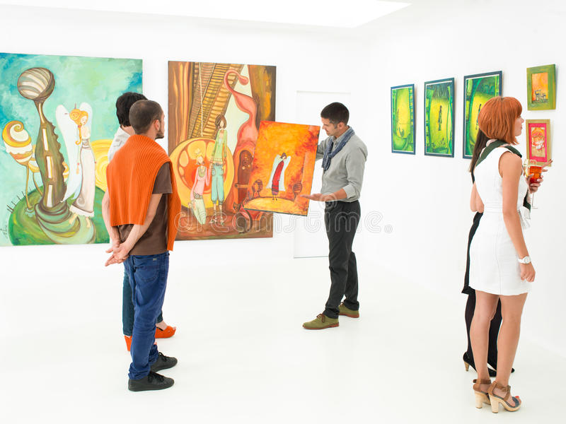 Аукцион художественной галереи стоковые фотографии rf