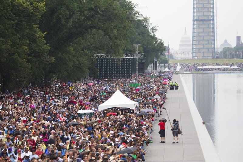 Аудитории на национальном моле слушают к президентским речам стоковое фото rf