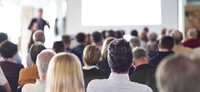 Аудитория в лекционном зале стоковое фото rf