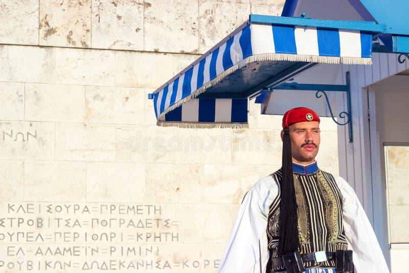 АФИНЫ, ГРЕЦИЯ - 15-ое августа 2018: Предохранитель Evzoni, грек председательствует стоковое фото