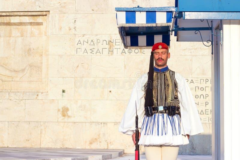 АФИНЫ, ГРЕЦИЯ - 15-ое августа 2018: Предохранитель Evzoni, грек председательствует стоковые изображения