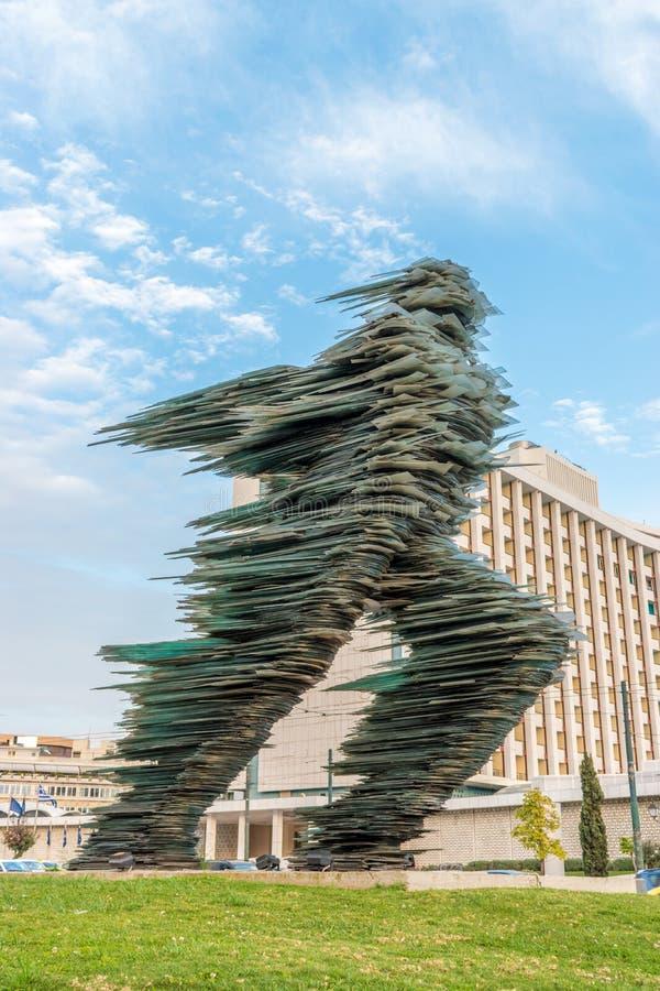 Афины, Греция - 12-ое марта 2018: Скульптура Dromeas монументальная стекла стоковые фото