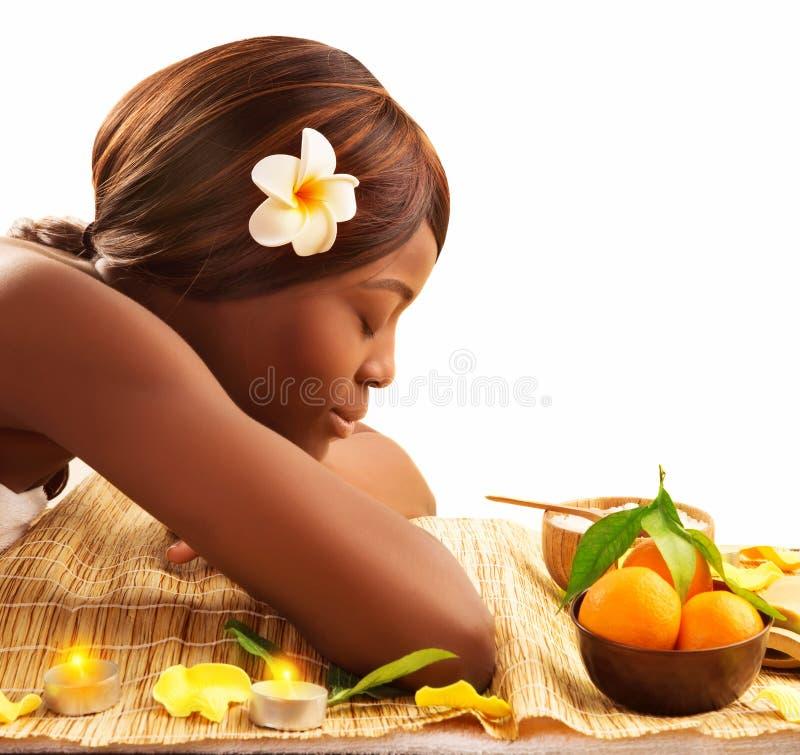 Африканская женщина на спе стоковые изображения