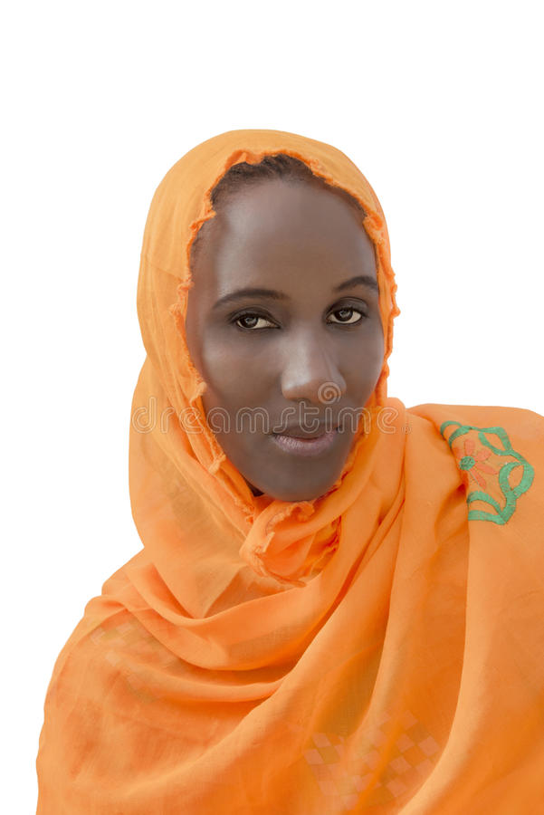 Африканская женщина нося изолированную вуаль хлопка, стоковое изображение rf