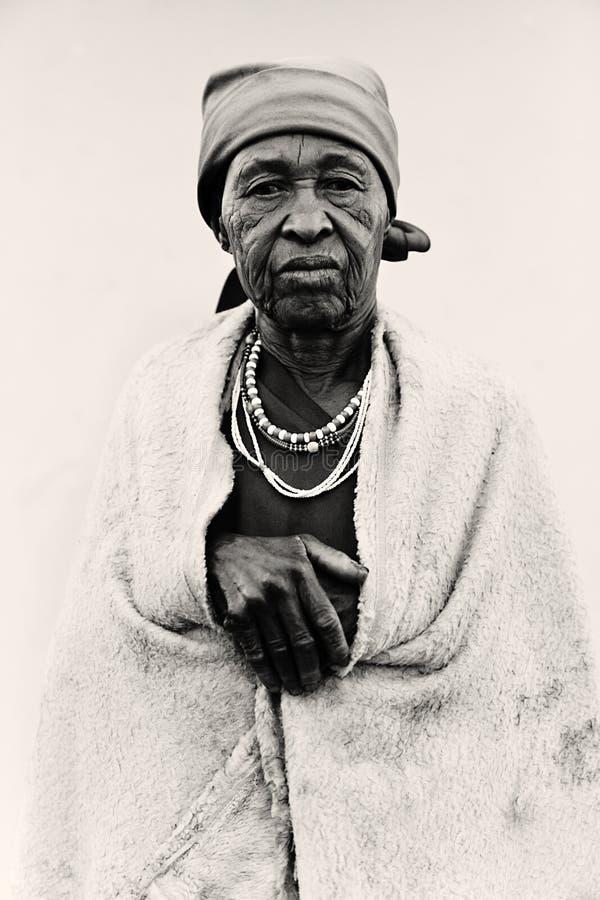 африканская старшая женщина стоковое изображение rf