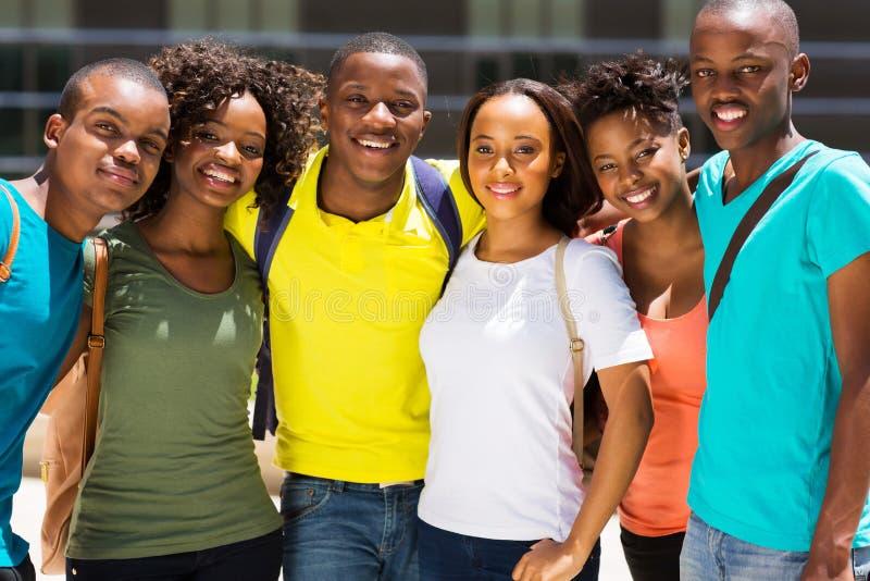 Африканские друзья коллежа стоковое изображение rf