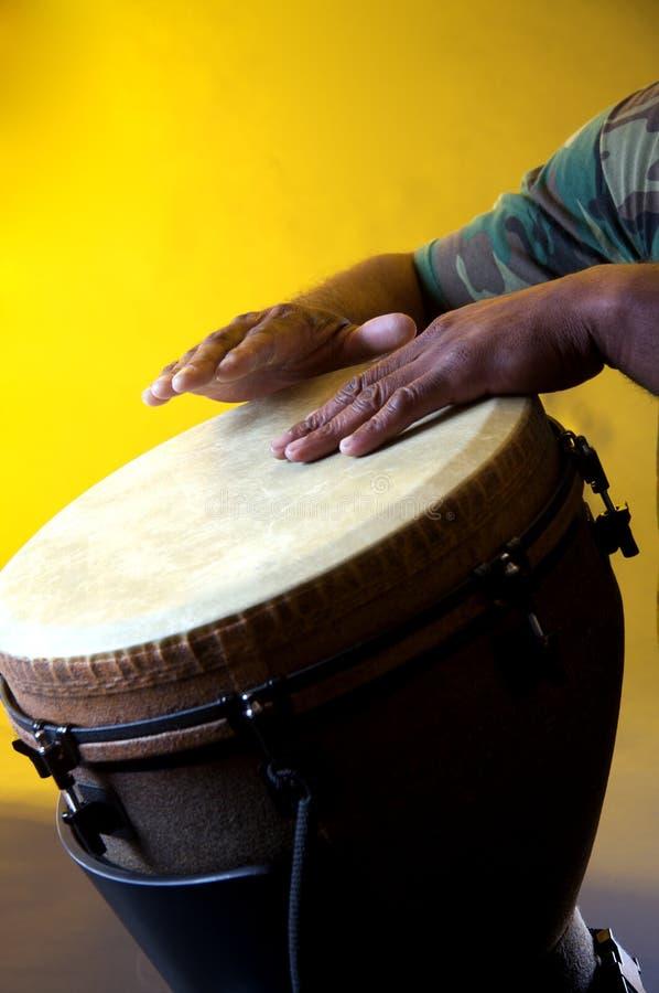 африканские руки djembe стоковое изображение rf