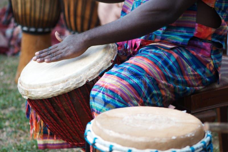 африканское djembe стоковое изображение rf