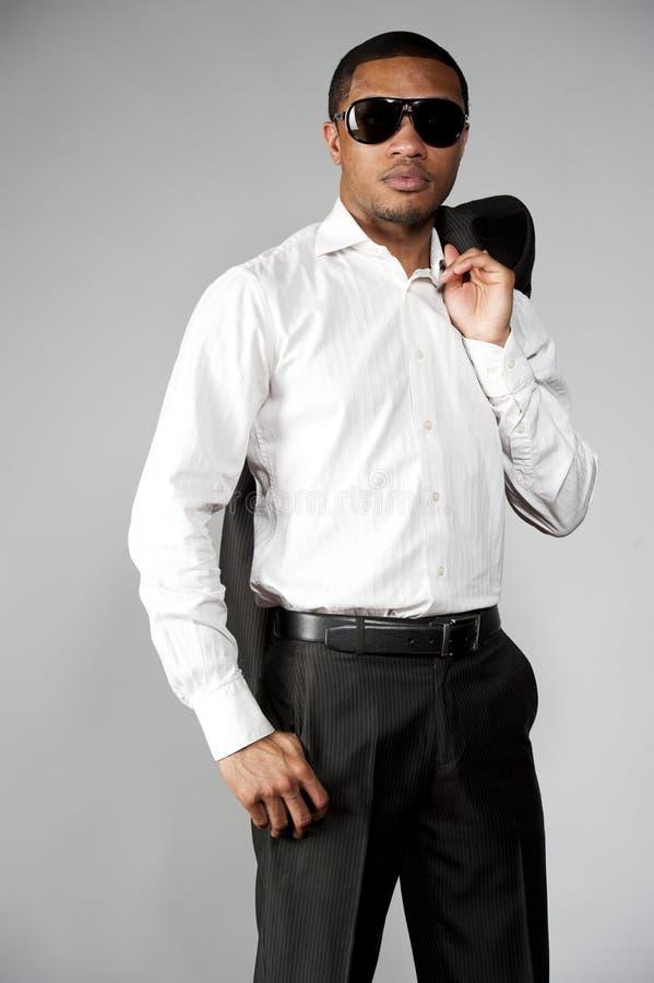 Афро-американский мужчина в костюме стоковое изображение
